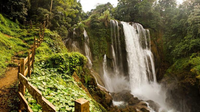Pulhapanzak,Waterfall,In,Honduras.