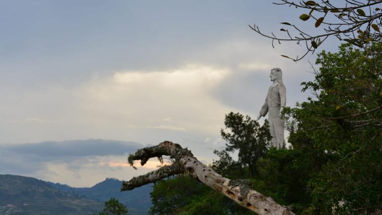 Tegucigalpa,,Honduras,-,May,15th,,2017:,Statue,Of,Christ,Of